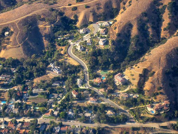 Bergshus i östra LA