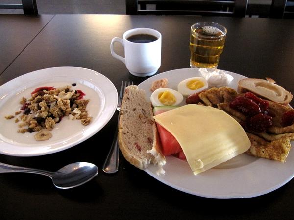 En uppsättning Kiruna-frukost tack