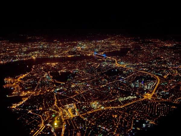 Istanbul by night från ovan