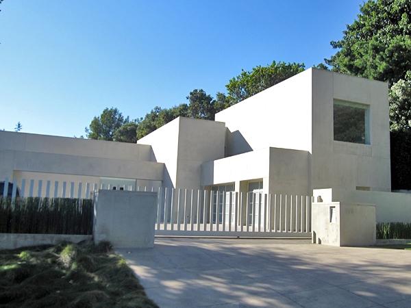 Kantigt hus