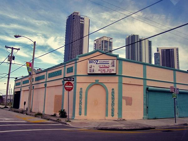 Miami ligger öde