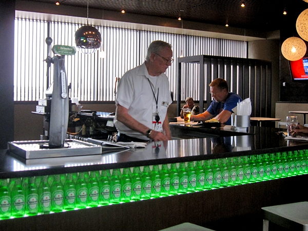 Probably the best bartender in the airport