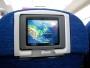 På skärmen kunde vi se att vi intagit Kanadensiskt luftrum. Eftersom alla andras skärmar på planet var trasiga delade vi på min.