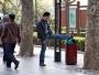I en av Shanghais få parker stiftar vi bekantskap med en slagskämpe. Tur för oss att han mest verkar förbannad på en soptunna. Vid fototillfället delar han ut en ordentlig hoppspark som man annars bara brukar se i krigsfilmer och innebandy.