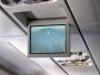 Passagerarna kan känna sig högst delaktiga i landningen då den går att följa via monitorerna. Vi i kabinen kan skrika olika direktiv till piloten som sedan får bedöma trovärdigheten i dessa. Någon skrek exempelvis att <i>