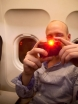 Ante har en dålig vana att blända folk med en lasershow inför start och landning. Så även denna gång när han fått tag på en