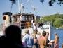 Båten som ska ta alla bröllopsgäster hela vägen till Lambarön