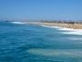 En missvisande detalj i namnet Newport Beach är den att namnet antyder att allt är en enda strand. Så är inte fallet. Likt stadsdelen