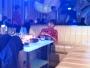 Nackdelen med drinkbord är att risken att somna är ungefär 85%.  Statistiken gäller även inne på så fina klubbar som Soho.
